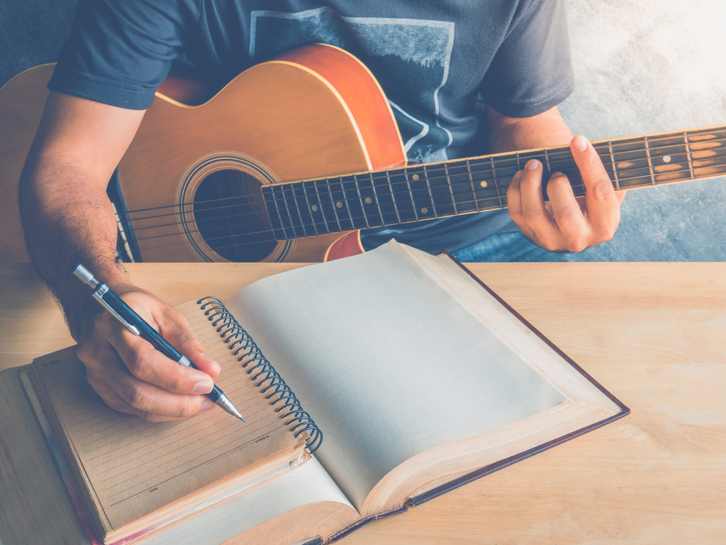 4 top tips to improve songwriting